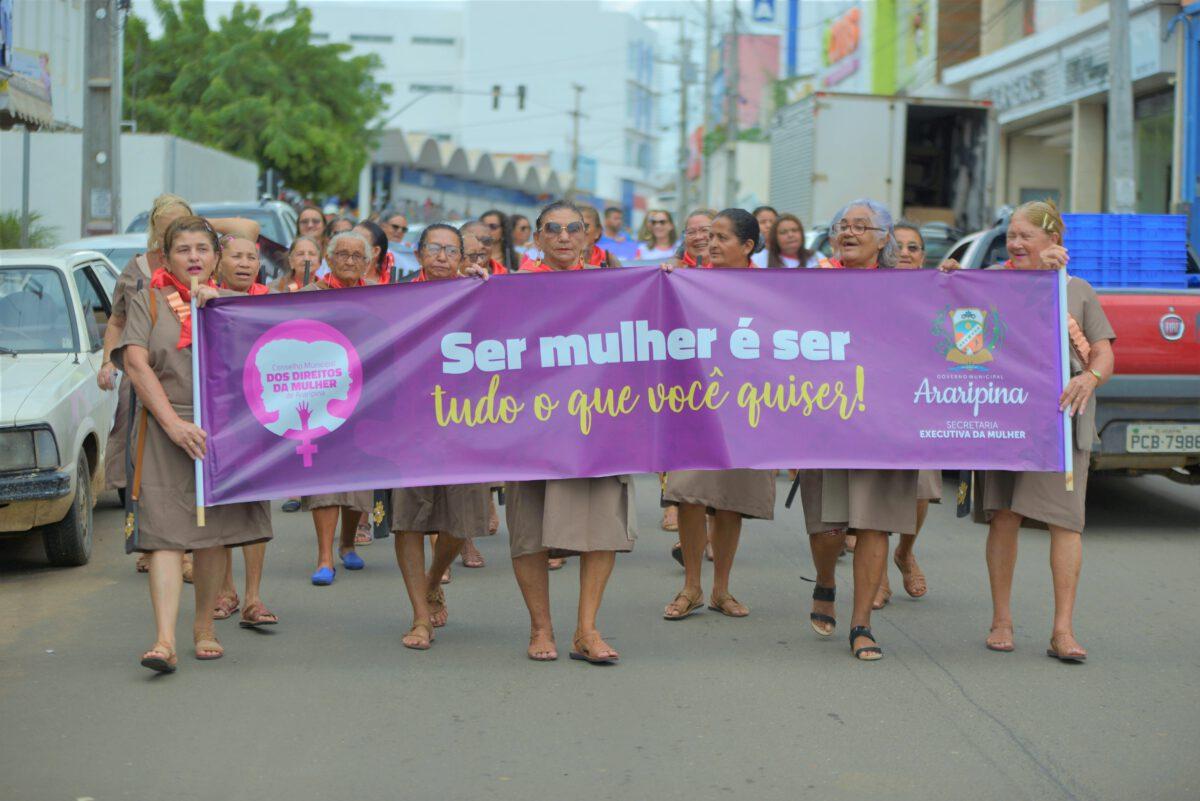SECRETARIA DA MULHER DE ARARIPINA REALIZA CAMINHADA DE CONSCIENTIZAÇÃO PELOS DIREITOS E DISCRIMINAÇÃO DAS MULHERES