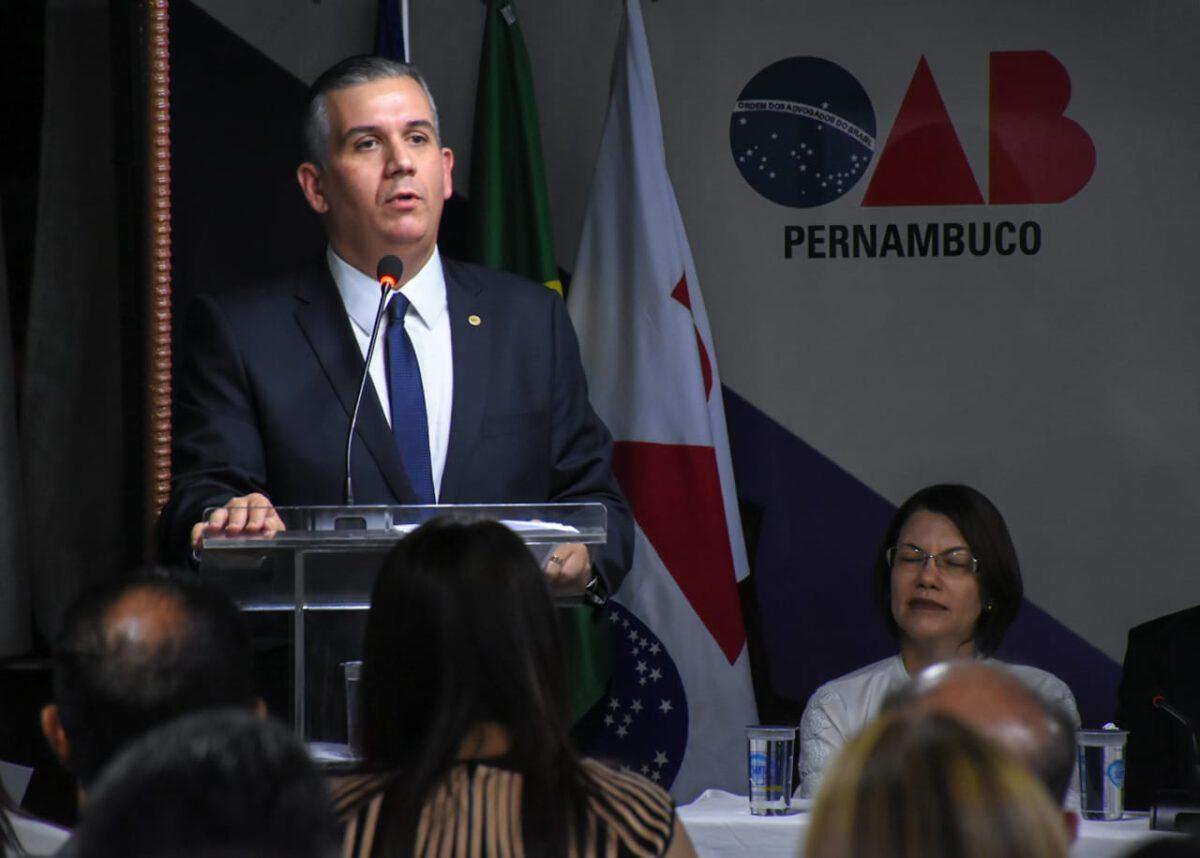 OAB EXPÕE PREOCUPAÇÃO AO TJPE SOBRE PROJETO DE FECHAMENTO DE COMARCAS NO INTERIOR