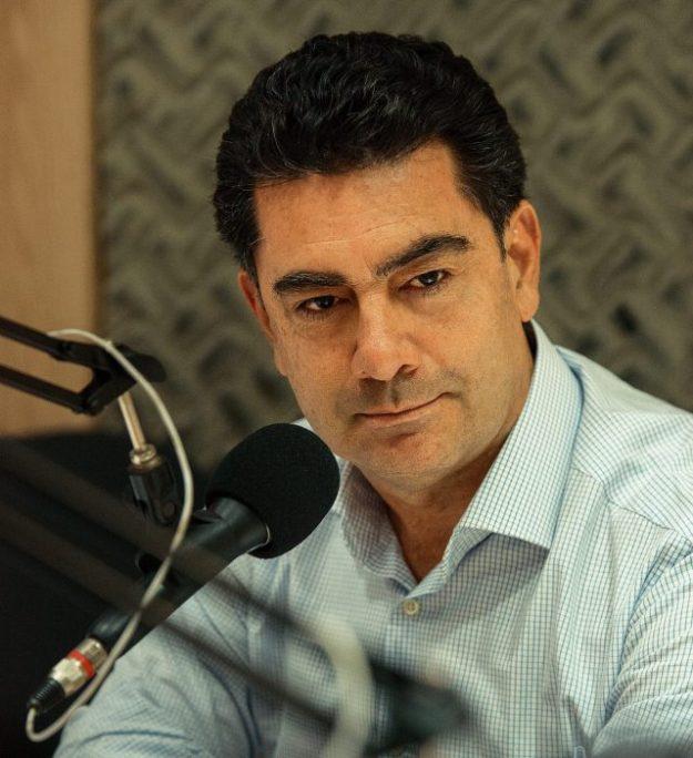 PRÉ-CANDIDATO À REELEIÇÃO EM ARARIPINA, RAIMUNDO PIMENTEL LARGA NA FRENTE COM 48% DAS INTENÇÕES DE VOTOS CONTRA 36,3% DE TIÃO DO GESSO